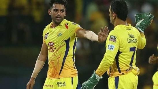 Deepak Chahar and CSK captain MS Dhoni.(IPL)