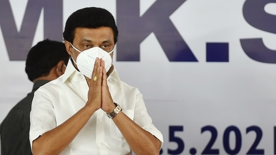 It recalled the party's promise of providing <span class='webrupee'>₹</span>4,000 for rice ration card holders to aid citizens affected due to the pandemic and help them with their livelihood.(PTI)