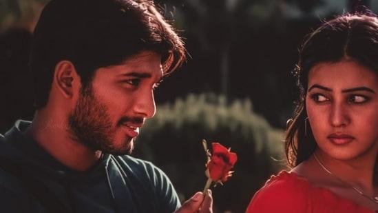 Allu Arjun and Anuradha Mehta played the leads in Arya.