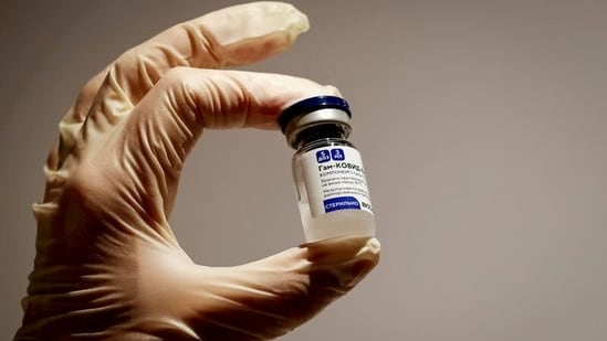 The Maharashtra government, too, has started talks with foreign vaccine manufacturers to boost the speed of the inoculation drive in the 18-44 category. In picture - A vial of Sputnik V Covid-19 vaccine.(Reuters)
