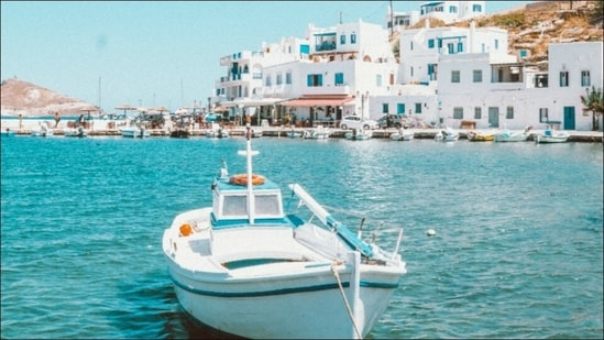 Greece reopens beaches after Covid-19 lockdown amid hope to lure back tourists(Photo by Woody Van der Straeten on Unsplash)