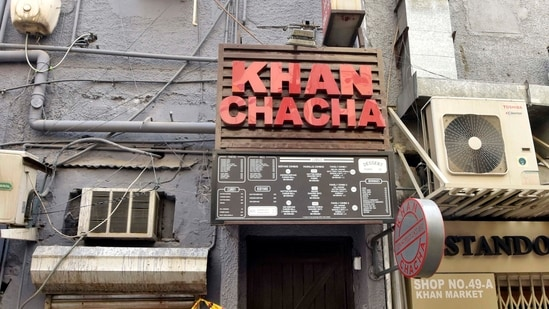 Delhi Police sealed Khan Chacha restaurant after oxygen concentrators and other medical supplies being black marketed were seized from here in Khan Market, in New Delhi, India, on Friday, May 7, 2021. (Sanjeev Verma/HT PHOTO)