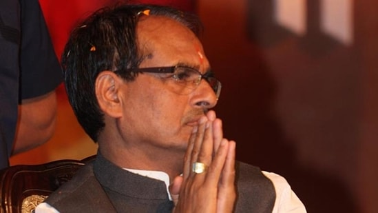 The curriculum framing committee has also decided that the state government will promote new Indian writers and remove Shakespeare and other foreign writers from the syllabus. In picture - MP CM Shivraj Singh Chouhan.(HT File Photo)