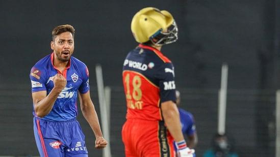 Avesh Khan of Delhi Capitals celebrates the wicket of RCB skipper Virat Kohli during IPL 2021(PTI)