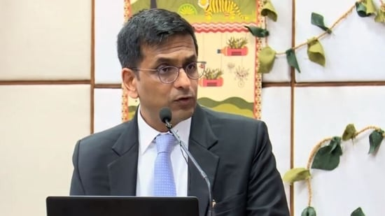 The Apex Court bench, headed by Justice DY Chandrachud, constituted National Task Force (NTF) to assess and recommend the need and distribution of oxygen in the country.(Photo: Screengrab/ YouTube)