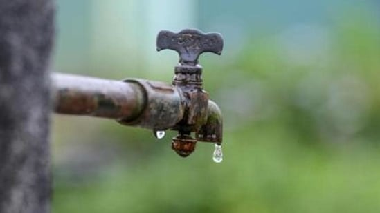 The Delhi Jal Board further advised people to make judicious use of water.(HT FILE)