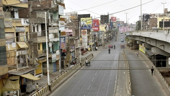 A deserted view of Kankarbagh main road during a Covid-19 induced lockdown, in Patna, Bihar HT (Photo/ Santosh Kumar).