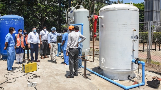 On Tuesday, 26 patients being treated for Covid 19 died between 2am and 6am with Goa health minister Vishwajit Rane saying the hospital got only a third of the 1,200 oxygen cylinders required and pushing for a probe by the high court.(PTI file photo)