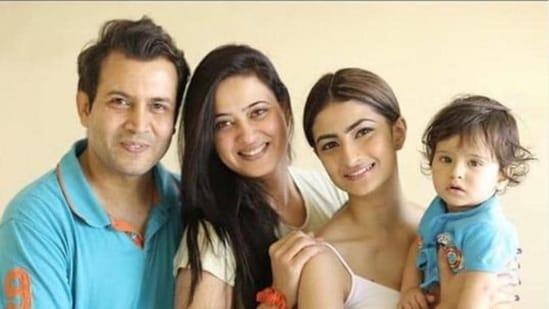 Abhinav Kohli, Shweta Tiwari with Palak and Reyansh.