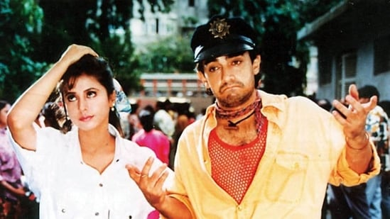 Ram Gopal Varma gave Aamir Khan a free hand to experiment with his look in Rangeela (1995), and this is how he looked finally.
