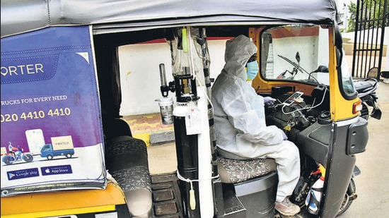 "The Maharashtra Riksha Sena's ""Baghtoy Rikshawala"" initiative, is a free rickshaw ambulance service, with oxygen, currently operating in Pune and Pimpri-Chinchwad. (HT PHOTO)"