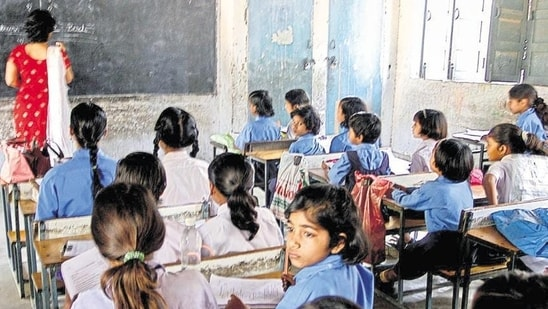 Chhattisgarh govt to pay for education of children orphaned due to COVID-19(Hindustan Times Media)