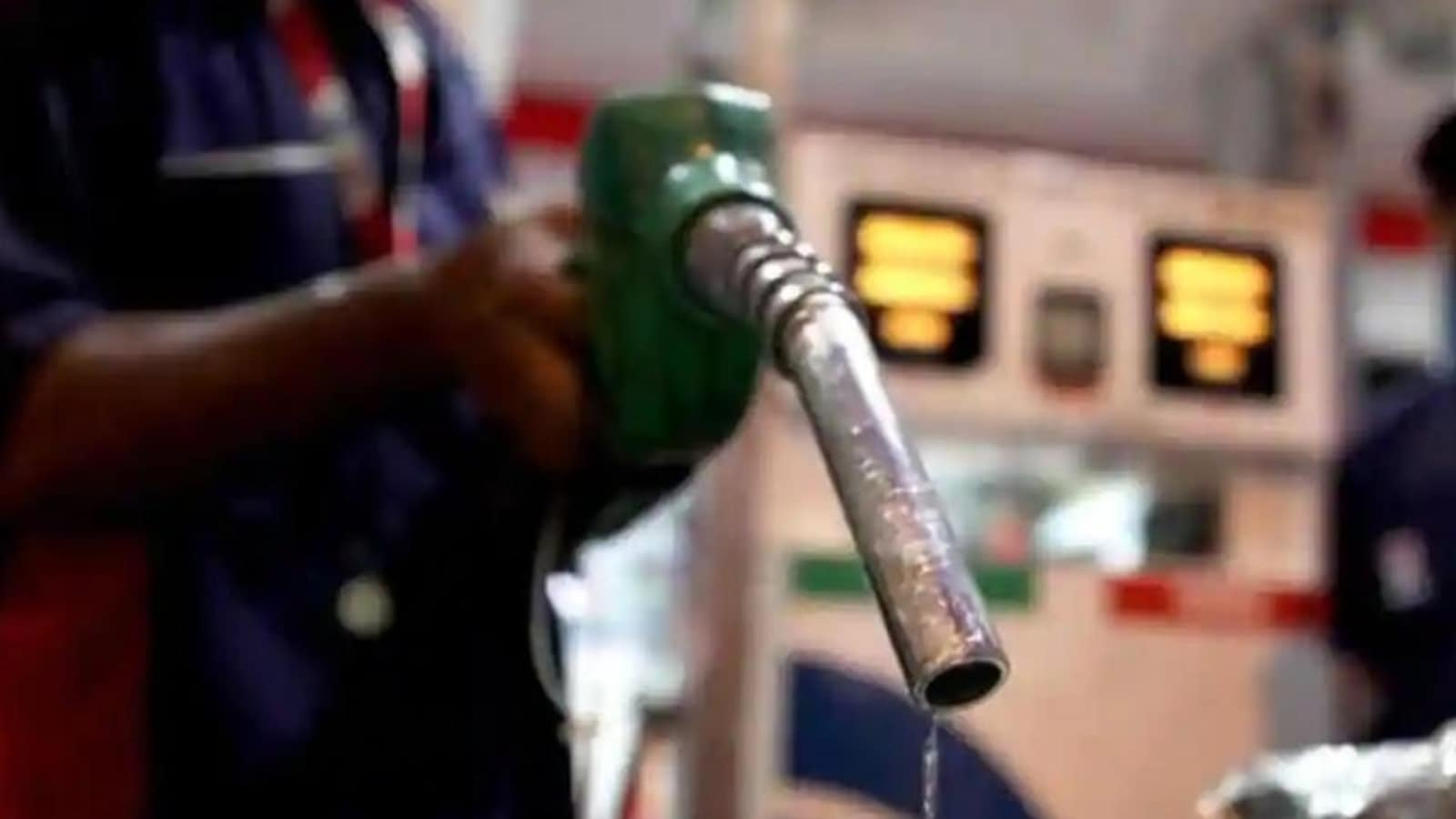 Photo of Petrol, diesel prices rise again. Check rates in your city
