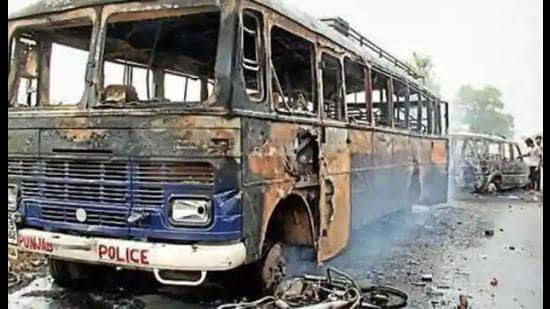 2015 Bargari sacrilege case: SIT of Punjab Police arrested six Dera Sacha Sauda followers allegedly involved in sacrilege incident.