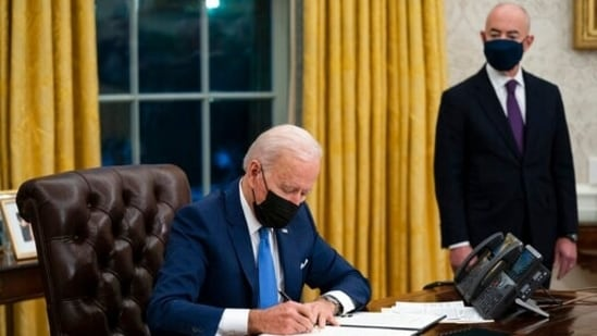 Biden will announce Monday that he'll export 20 million doses of vaccines from Pfizer Inc., Moderna Inc. or Johnson & Johnson.(AP)