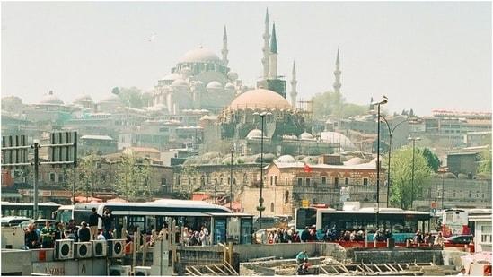 Turkey eases virus curbs as lockdown (Unspalsh)