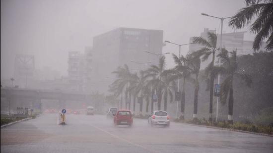 Heavy rains due to Cyclone Tauktae, near Belapur, in Navi Mumbai on Monday, May 17. (PTI)