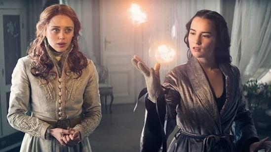 Daisy Head (left) and Jessie Mei Li in Shadow and Bone (2021)