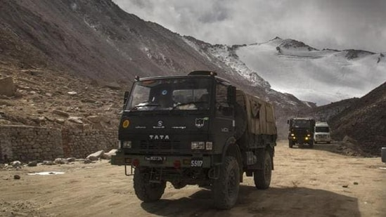 Army convoy roughs it out on a high mountain pass to Ladakh sector. (HT photo)