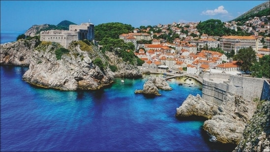 Croatia gears up to welcome tourists after more than a year of Covid-19 lockdown(Photo by Matthias Mullie on Unsplash)