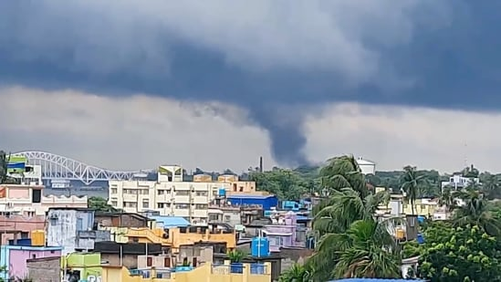 A tornado is seen approaching as Cyclone Yaas continues to move inland, in Naihati, West Bengal.(INSTAGRAM @RUPAMSARKAR11)