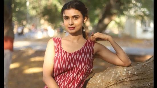 Actors should never set boundaries: Mayuri Deshmukh