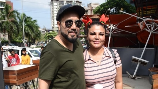 Singer Mika Singh and actor Rakhi Sawant had a reunion outside a coffee shop in Mumbai.