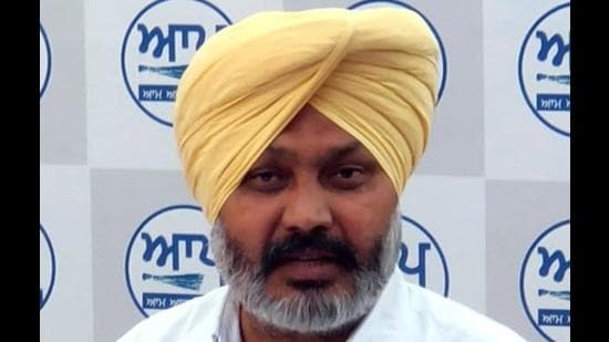AAP slams Punjab govt for removal of doctors from villages