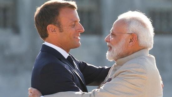 PM Narendra Modi (right) with French President Emmanuel Macron (File Photo/Reuters)