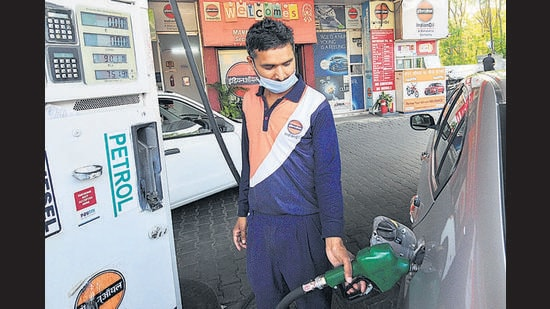 At 84.27 per litre, diesel also reached the highest-ever price as prices were hiked for the 14th time since the beginning of May. (Ravi Kumar/HT)