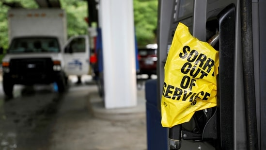 A bagged nozzle at a pump notifies motorists that it no longer has fuel after a cyberattack crippled the biggest fuel pipeline in the country, run by Colonial Pipeline.(Reuters file photo)