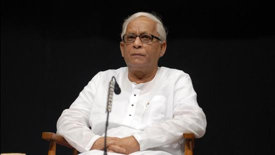 Former Bengal chief minister Buddhadeb Bhattacharya, who was admitted to a private hospital with Covid infection is in a stable condition. (HT Archive)