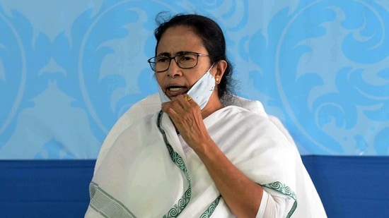 West Bengal CM Mamata Banerjee urged PM Narendra Modi to withdraw Centre's order recalling the state chief secretary Alapan Bandyopadhyay.