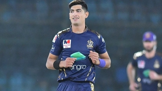 File Photo of Naseem Shah in action for Quetta Gladiators in PSL.(Twitter)
