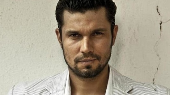 """Randeep Hooda has come under fire since Wednesday when a nine-year-old video of him making a """"joke"""" about Mayawati suffered online. He was called out on social media."""