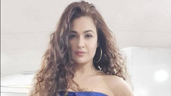 Actor Yuvika Chaudhary also issued an apology on Instagram and Twitter.