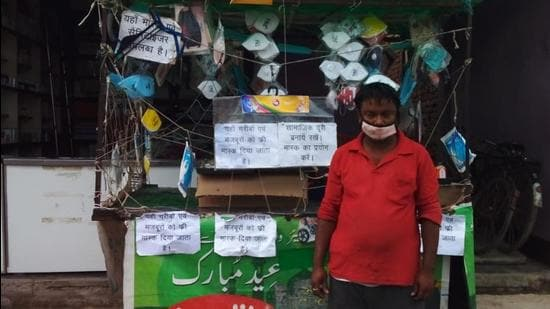 Bihar's vegetable vendor is on a mission to arrest pandemic in his own way