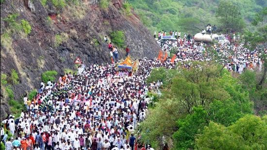 This year's Ashadhi Wari first prasthan from Dehu of Sant Tukaram Maharaj Palkhi is scheduled on June 14 and a day later the Sant Dnyaneshwar Maharaj Palkhi will move towards Pandharpur. Whereas the Ashadhi Ekadashi the day when both the Palkhis reaches Pandharpur is on July 5. (HT FILE PHOTO)