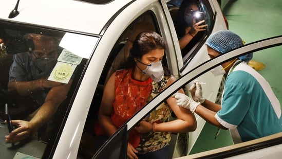 Representational: All such Covid-19 vaccine programmes being carried out in hotels need to be stopped immediately, said the Union health ministry.(Ajay Aggarwal /HT PHOTO)