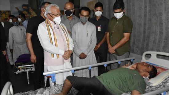 Chief minister Manohar Lal Khattar at Deep Ashram on Sunday. (HT PHOTO)