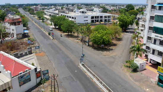 Maharashtra extended the lockdown in the state by 15 days, saying that Covid-19 cases continued to surge in rural areas.(PTI Photo)