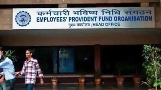 The ministry in a statement said that the social security cover by the Central government is sought to be provided to the workers without any additional cost to the employer.(HT File Photo)