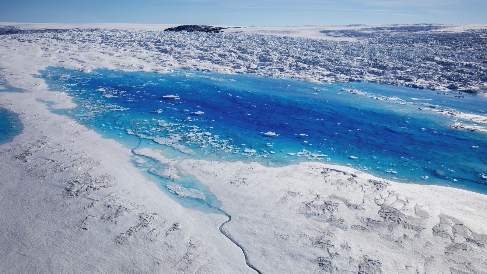 In Last 20 Years Iceland's Glaciers have Lost 750 Square Kilometers