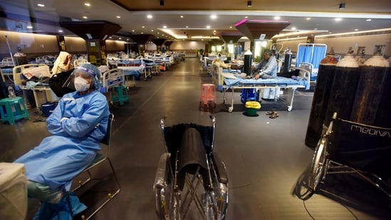 The temporary Covid care centre set up at Shehnai Banquet Hall attached to Lok Nayak Hospital.(Sanjeev Verma/HT PHOTO)
