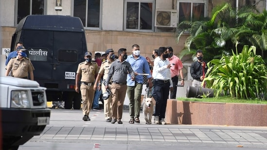 Police personnel along with Bomb Detection and Disposal Squad (BDDS) teams reached Mantralaya after a call was received regarding bomb placed, in Mumbai on Sunday. (ANI Photo)