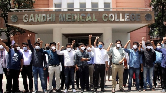 MP junior doctors association comprises around 3,000 members from six medical colleges in the state.(ANI Photo)