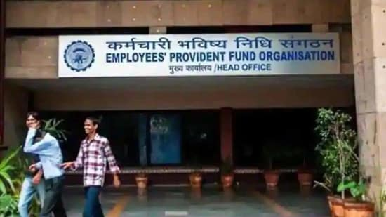 Earlier last year, the Employees' Provident Fund Organisation (EPFO) had allowed its members to withdraw Covid-19 advance to meet exigencies due to the pandemic.(HT File Photo)