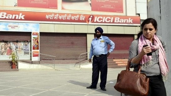 The banks will remain closed on nine days in June.(Sameer Sehgal/HT Photo)