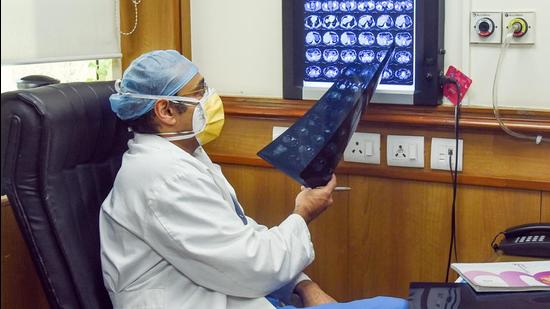 Last year, a Central team visiting Bihar's first dedicated coronavirus disease (Covid-19) facility, Nalanda Medical College & Hospital (NMCH), in Patna, had flagged poor infection control in hospitals and underlined the need to provide a safer working environment to instil confidence among frontline healthcare workers, especially doctors. (ANI PHOTO.)