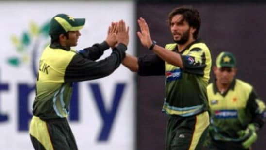 File Photo of Shoaib Malik (left) and Shahid Afridi in action for Pakistan.(Getty Images)